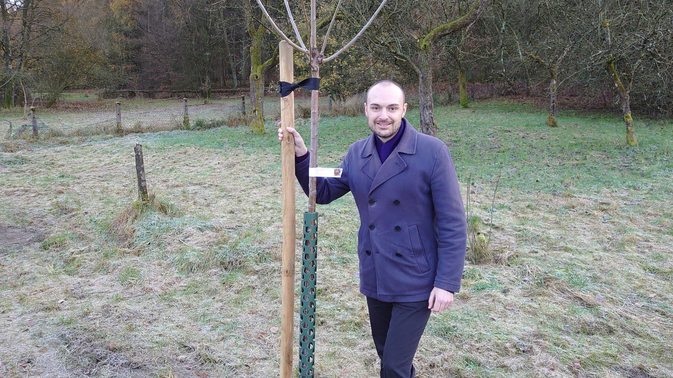 Ein Baum für jedes Grüne Ratsmandat…. z. B. auf der Streuobstwiese am Forstweg
